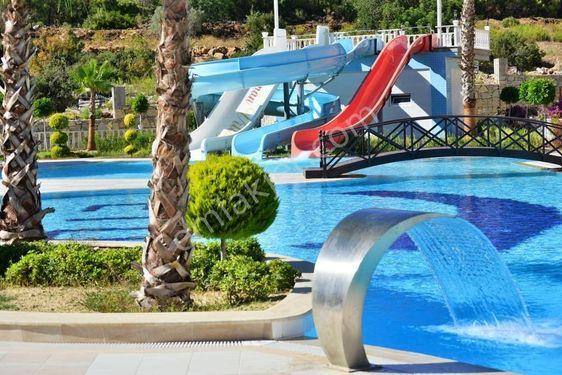 4+1 Alanya Avsallar`da site içi,havuzlu, aquaparklı villa