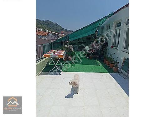 Marmaris Marina Civarında Satılık 2 Daire Tek Tapu