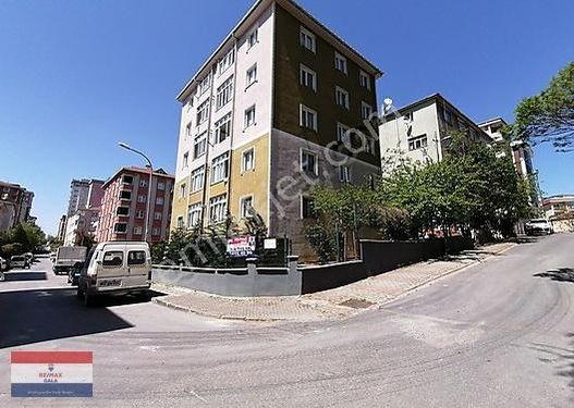 Mehmetakif Mahallesinde 2+1 Balkonlu İskanlı Satılık Daire