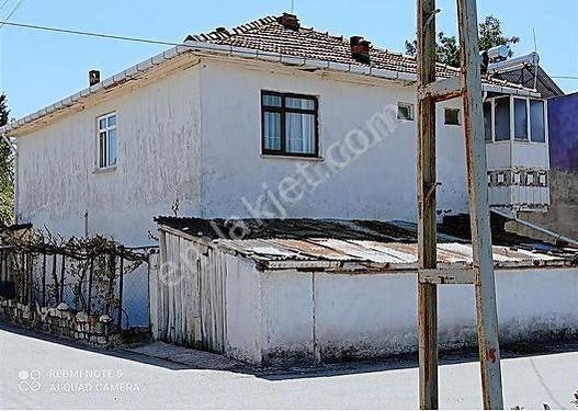 Suluova Emlaktan satılık müstakil ev