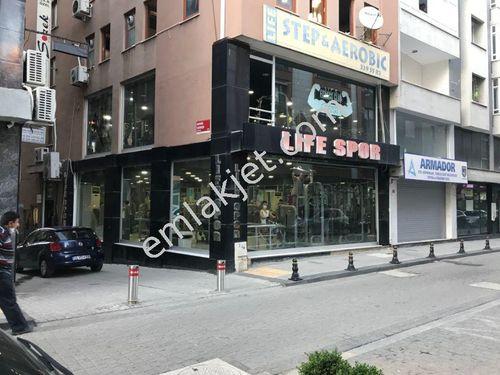 ümraniye çarşı merkezde 420 m2,satılık 3 katlı dükkan