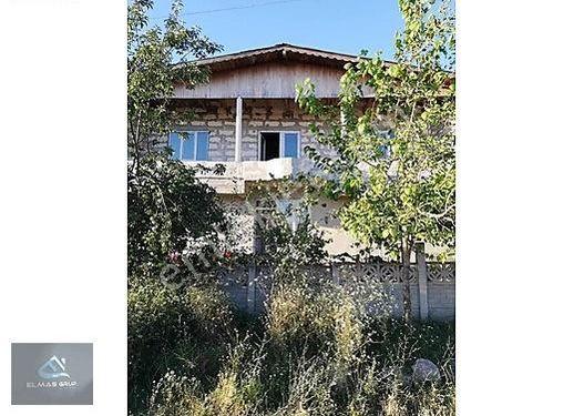 Tekirdağ Pazarcık Mahallesinde 444m2 Satılık 2 Katlı Müstakil Ev