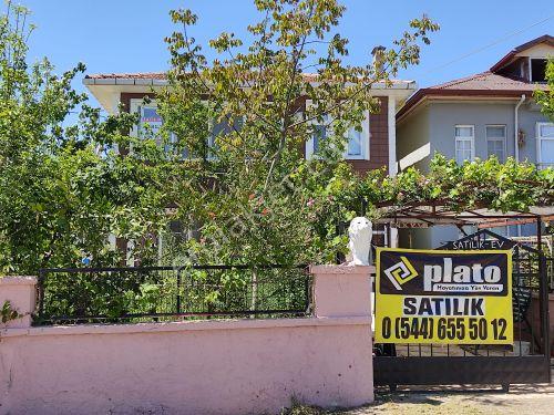 Plato Yapıdan Yakakent Kozköyde Satılık Bahçeli Villa