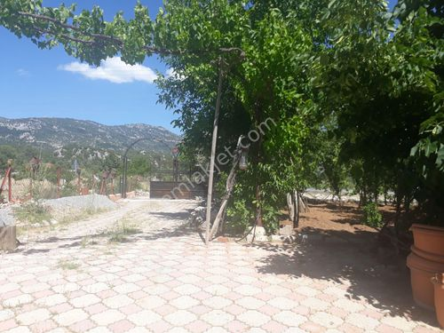 Akseki Mahmutlu mahallesi satılık çiftlik evi