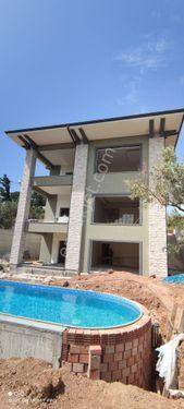 RW Ece'den Nilüfer köyde satılık sıfır havuzlu villa