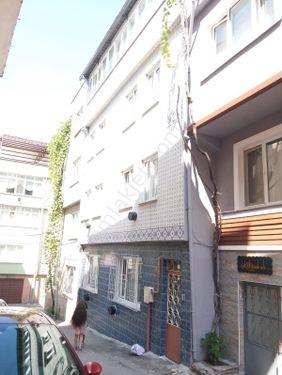 Sıracevizler Kurtbasan caddeye yakın satılık müstakil ev