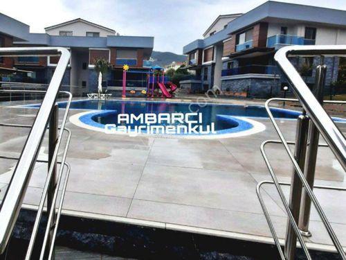 AMBARCI'dan,Havuzlu Butik Sitede Satılık 5+2 Villa