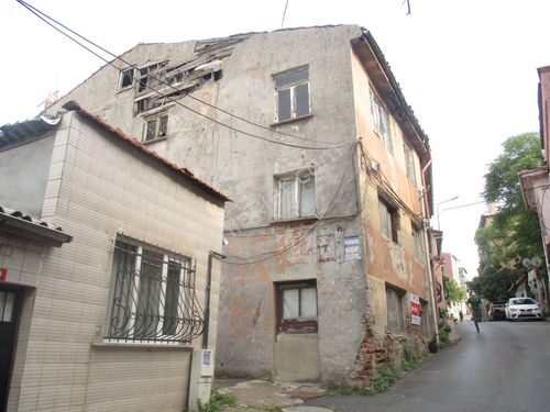Molla Team' den Fatih Ayvansarayda 210 m2 Satılık Bina