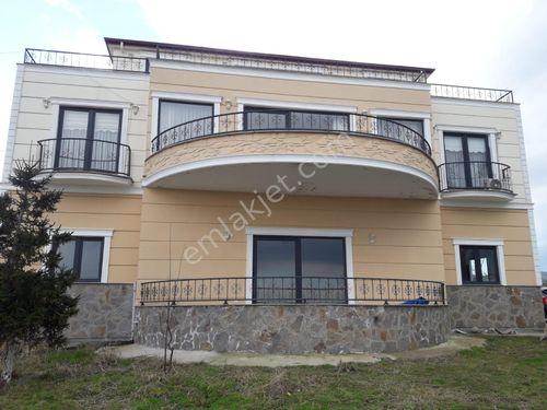 Yomra Kılıç Tepe'de satılık villa