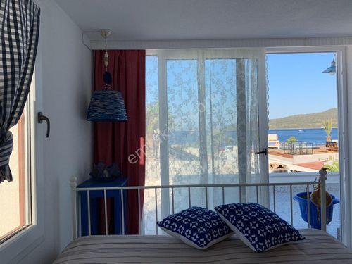 Türkbükü merkez sahilde iskeleli 5+1 müstakil villa