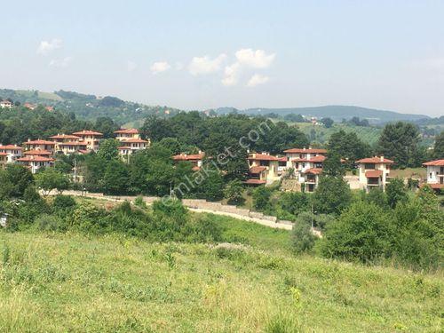 Eskidji'den Bahçecikte yola cepheli 4700 m2 villa imarlı arsa