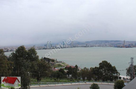 Şehrin Merkezinde Deniz ve Orman Manzaralı 2+1 100m2 Ebeveynli