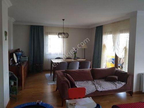 Camlik'ta kiralık villa 4+2 manzarali cift bahceli+kış bahcesi