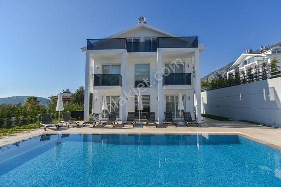 Fethiye Ölüdeniz mahallesinde satılık lüks 4+1 villa