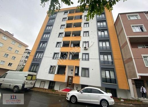 ÇEKMEKÖY CUMHURİYET MAHALLESİ'NDE 2+1 ARA KAT NET 85 m²