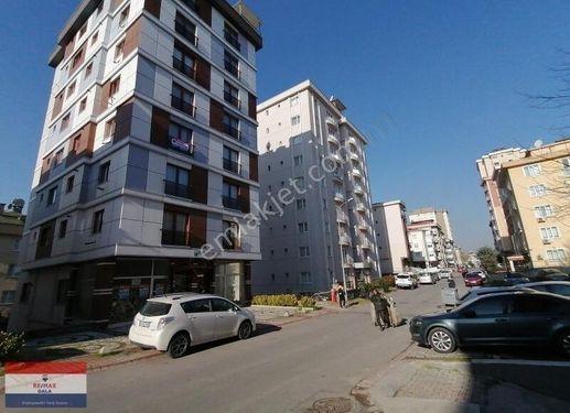 Elamış Caddesi Cumhur Sokakta Boş İskanlı 2+1 Satılık Osman Kaya