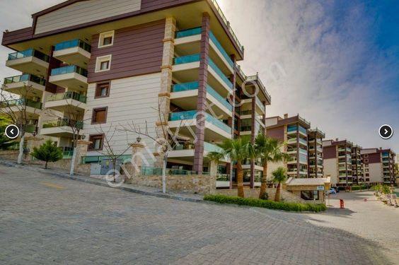 Kuşadası'nda Deniz Manzaralı 3+1 Rezidans Daire
