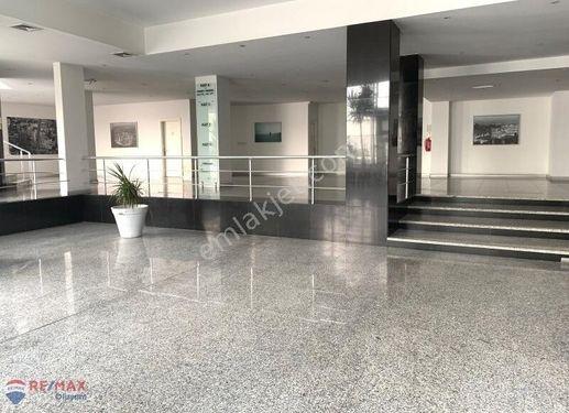 Yenibosna Basın Ekspres Yan Yol Lüks Kiralık (1250m2) Plaza Ofis