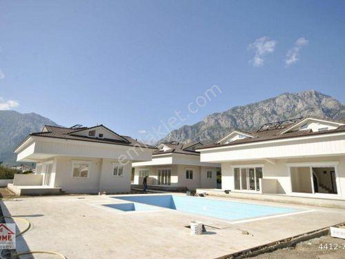 Antalya Kemer Arslanbucak'ta satılık lüks 3+1 ikiz villa