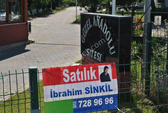 Silivri Semizkum'da Site İçinde Satılık Yazlık