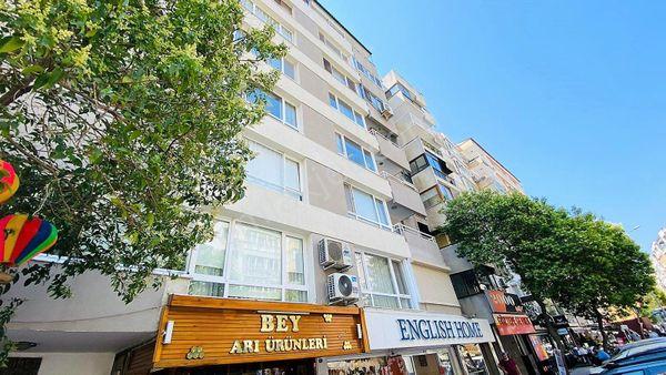 İzmir Göztepe 'de Kısmi Deniz Manzaralı Satılık 3+1 Daire