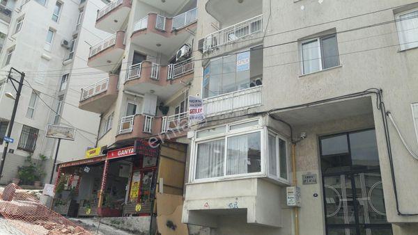 İzmir Konak Deniz Manzaralı 3+1 Satılık Daire