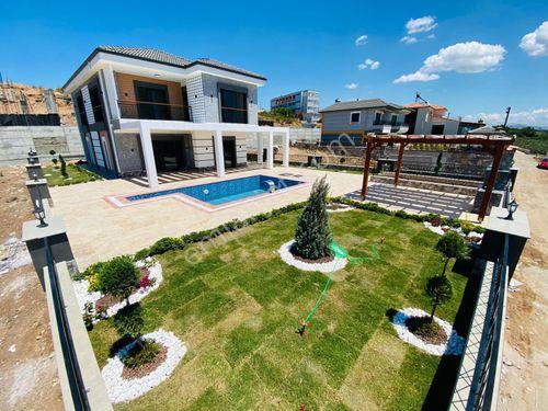 Didim'de Müstakil Havuzlu Full Deniz Manzaralı Villa Satılık 181