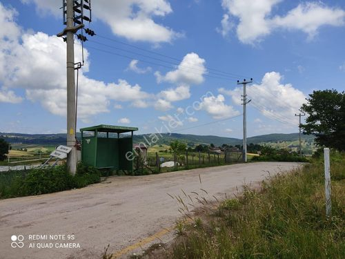 Kandıra Karadivan'da 2250 m2  ev yapımına uygun yolu olan arazi