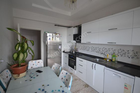Beykent Karakol Çevresi Çift Balkonlu Ve Banyolu 3+1Satlık Daire