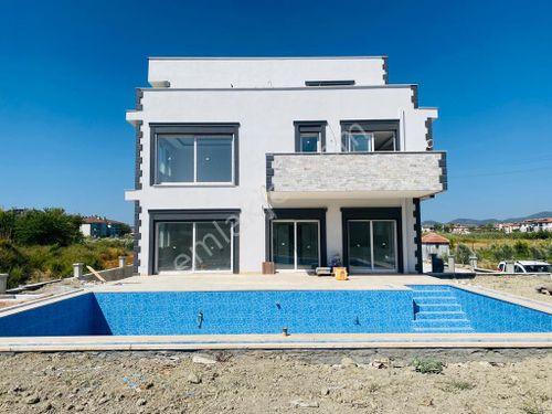 Dalaman'da Müstakil Satılık 5+1 450 m2 Havuzlu Villa