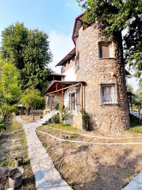 Cesur Emlak'tan 560m2 Arsa İçinde Triplex Villa RefKod:4052