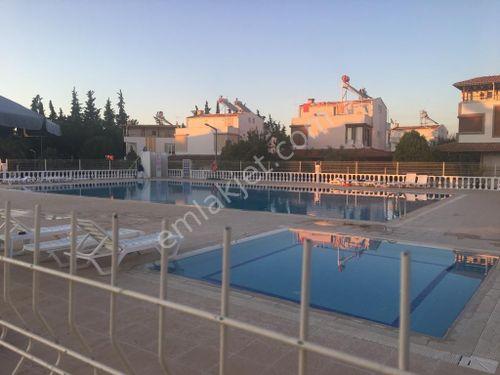 Güzelçamlı'da Havuzlu Sitede 4+1 Villa