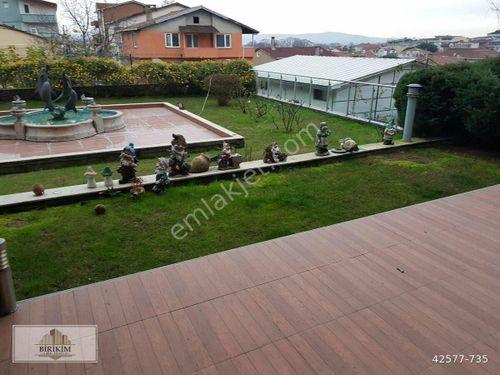 Sarıyer Tarabya'da 4+2 200 m2 Bakımlı keyifli bahçe dubleksi