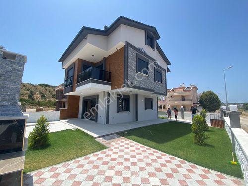 Didim Sağtur'da Köşe Başı Önü Park Satılık Müstakil Villa