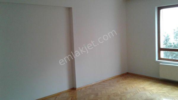 Şehrin Merkezinde Öveçler 2 ile 4 cad.arasında satılık daire