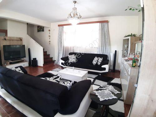satılık villa 810m2 imarlı arsa içi 4+1 dublex bucak kızılkayada