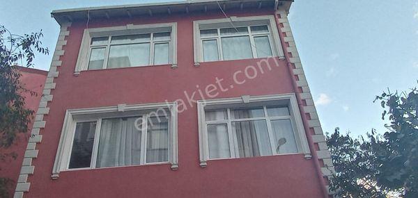 kuzguncuk satılık 3 katlı bina