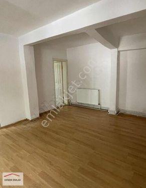 Sarıyer PTT evleri 1+1 80m2 1200₺
