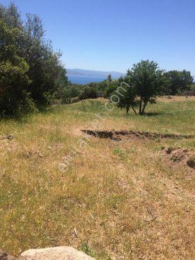 Assos' da deniz adalar manzaralı arazi