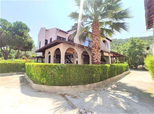 Çanakkale Güzelyalı Karanlık Liman Evlerinde Satılık 3+1 Villa