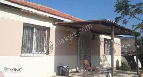 Menemen Yeşil pınar Mahallesinde Müstakil ev