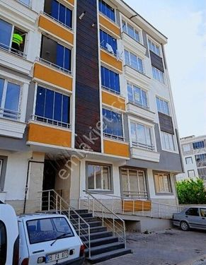 Ata mahallesi 3.kat 135 m2 oturum izni var lüx daire