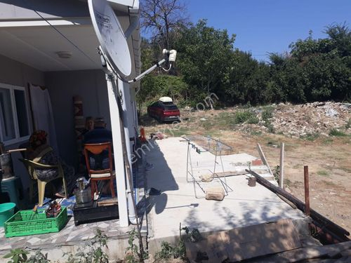 Lapseki İlyasköyde 1374m2 bahçeli satılık ev. 500.000TL