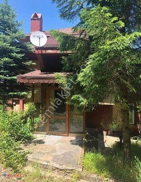 Sapanca'da Göl ve Orman Manzaralı Villa