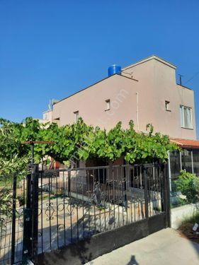 Dikili Cumhuriyette 400 metrekare arsa içinde 3+1 Yazlık Ev