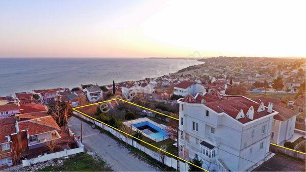 Gümüşyaka da Enfes Deniz Manzaralı Yalı Tadında Süper Villa