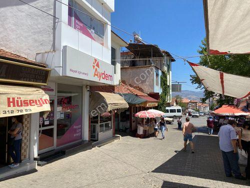 Zeren Emlak'tan Karacasu şehir merkezinde satılık dükkan...