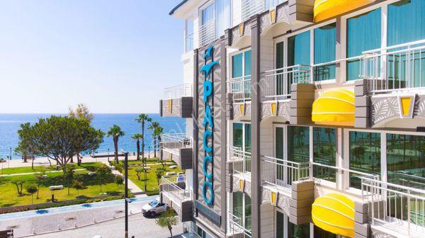 Antalya Konyaaltı'nda Denize Sıfır satılık 50 Odalı Otel+3İşyeri