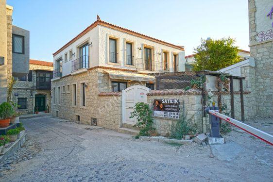 Alper Duran'dan Alaçatı Köyiçi Satılık 10 Odalı Muhteşem Otel