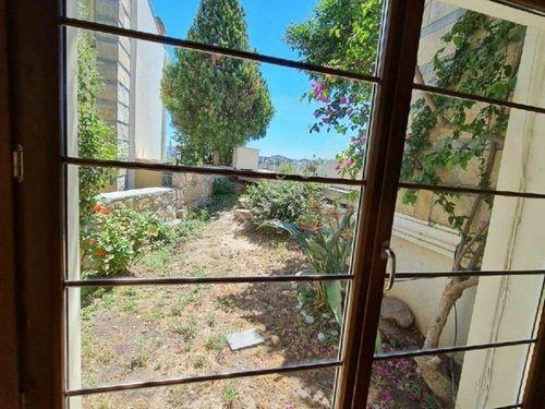 Bodrum da Oasise yakın Site içinde Satılık müstakil 3+1 villa